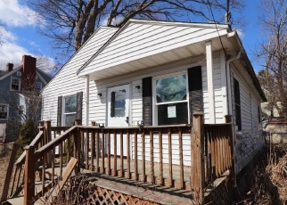Foreclosed Home in Waterbury 06708 HAWTHORNE AVE - Property ID: 4393931360