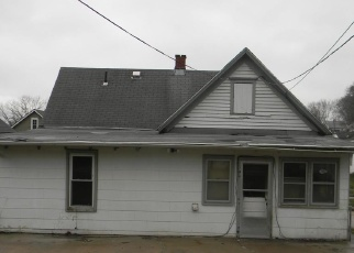 Foreclosed Home in Saint Joseph 64503 S 19TH ST - Property ID: 4393985673