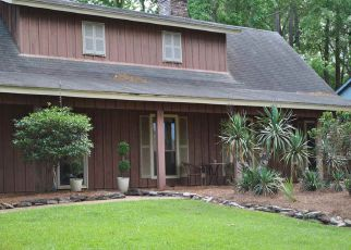 Foreclosed Home in Brandon 39047 PARADISE POINT DR - Property ID: 4393998365