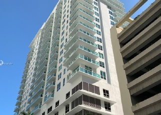Foreclosed Home in Miami 33131 SE 12TH TER - Property ID: 4394116176