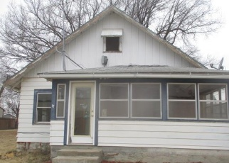 Foreclosed Home in Paola 66071 CENTRAL ST - Property ID: 4394234885