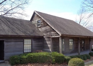 Foreclosed Home in Shawnee 66216 W 48TH ST - Property ID: 4394237500