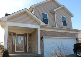 Foreclosed Home in Louisville 40216 WILKE FARM AVE - Property ID: 4394241441