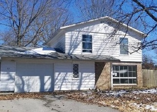 Foreclosed Home in Carbondale 62901 S PLOVER DR - Property ID: 4394307581