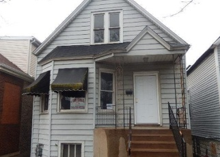 Foreclosed Home in Chicago 60617 S AVENUE H - Property ID: 4394321148