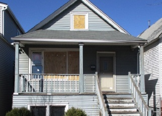 Foreclosed Home in Chicago 60617 S AVENUE N - Property ID: 4394334290
