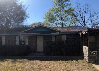 Foreclosed Home in Broxton 31519 CHURCH ST - Property ID: 4394385536