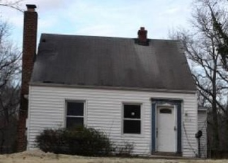 Foreclosed Home in Suitland 20746 MAPLE RD - Property ID: 4394519113