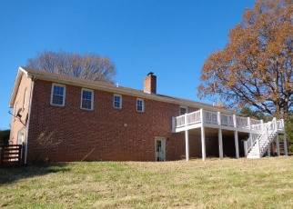 Foreclosed Home in Staunton 24401 LEE JACKSON HWY - Property ID: 4394672858