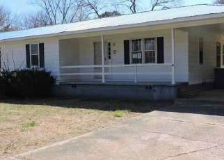 Foreclosed Home in Anniston 36201 GEOFF LN - Property ID: 4394709195