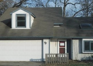 Foreclosed Home in Lawrence 66049 CREEKWOOD DR - Property ID: 4394810369