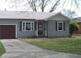 Foreclosed Home in Ponca City 74601 N 13TH ST - Property ID: 4394934316