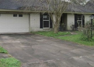 Foreclosed Home in Orange 77630 OLD CASTLE LN - Property ID: 4394971100