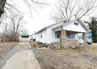 Foreclosed Home in Versailles 65084 MCNAIR ST - Property ID: 4395067913