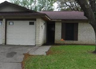Foreclosed Home in Victoria 77901 HAVENWOOD DR - Property ID: 4395117389