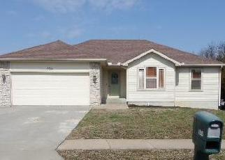 Foreclosed Home in Topeka 66605 SE GOLDEN AVE - Property ID: 4395144550