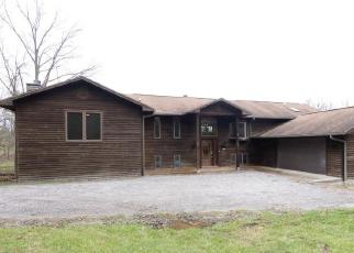Foreclosed Home in Waterloo 62298 BUSS BRANCH RD - Property ID: 4395171706