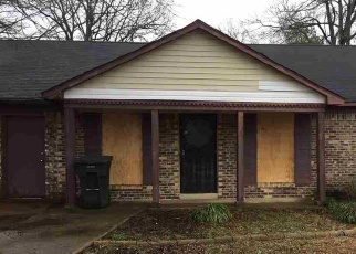 Foreclosed Home in Memphis 38118 LAZYBROOK CV - Property ID: 4395531270