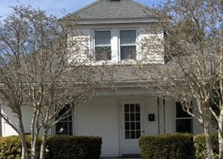 Foreclosed Home in Westerly 02891 BATTERSON AVE - Property ID: 4395660481