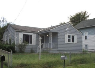 Foreclosed Home in Steubenville 43952 WOODMONT AVE - Property ID: 4395740634