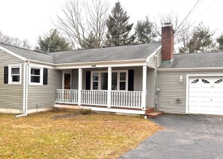 Foreclosed Home in Trumbull 06611 GREENFIELD DR - Property ID: 4395806771