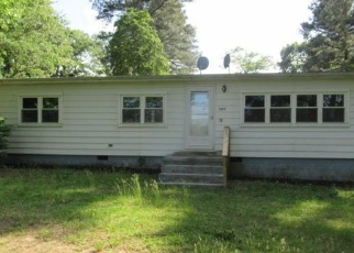 Foreclosed Home in Coltons Point 20626 COLTON POINT RD - Property ID: 4396065157