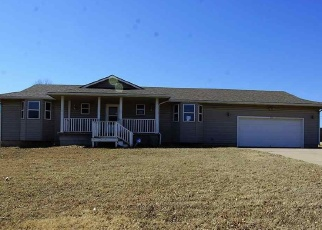 Foreclosed Home in Winfield 67156 PARKSIDE LN - Property ID: 4396128232