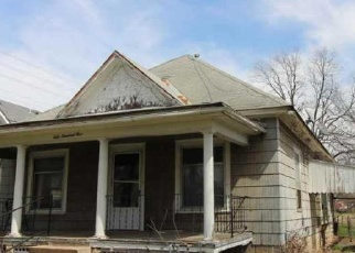 Foreclosed Home in Wellington 67152 S BLAINE ST - Property ID: 4396131298