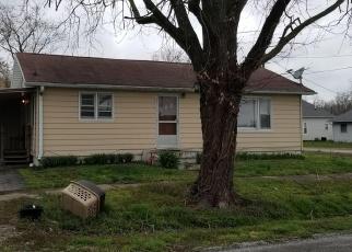 Foreclosed Home in Murphysboro 62966 HAMILTON ST - Property ID: 4396183419