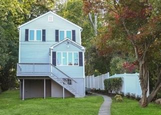 Foreclosed Home in New Fairfield 06812 FULTON DR - Property ID: 4396203118