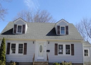 Foreclosed Home in West Warwick 02893 RITCHOTTE CT - Property ID: 4396351608
