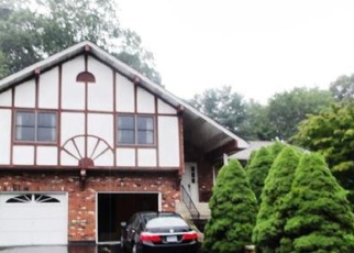 Foreclosed Home in Waterbury 06708 MIDDLEWAY E - Property ID: 4396502715