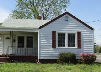 Foreclosed Home in Hopewell 23860 S 11TH AVE - Property ID: 4396526350