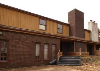 Foreclosed Home in Pittsburgh 15235 PENNVIEW DR - Property ID: 4396577600