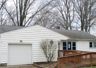 Foreclosed Home in Youngstown 44511 REDGATE LN - Property ID: 4396603886