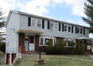 Foreclosed Home in Lewiston 04240 MARTIN DR - Property ID: 4396664310