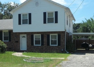 Foreclosed Home in Fayetteville 28311 FARMVIEW DR - Property ID: 4396687985