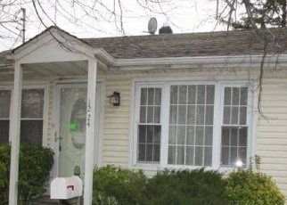 Foreclosed Home in Rockville Centre 11570 WOODFIELD RD - Property ID: 4396854845