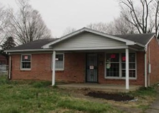 Foreclosed Home in Louisville 40272 LANSFORD DR - Property ID: 4396916597