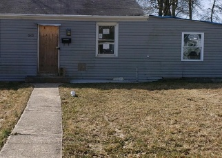 Foreclosed Home in Essex 21221 RENFREW ST - Property ID: 4397157478