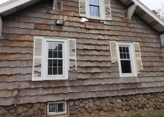 Foreclosed Home in Waterbury 06704 COLONIAL AVE - Property ID: 4397327409
