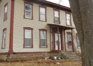 Foreclosed Home in Shullsburg 53586 MULLEN RD - Property ID: 4397435591