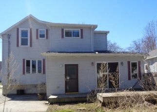 Foreclosed Home in Fond Du Lac 54935 E 10TH ST - Property ID: 4397446540