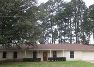 Foreclosed Home in Marshall 75672 COUNTRY CLUB DR - Property ID: 4397580112