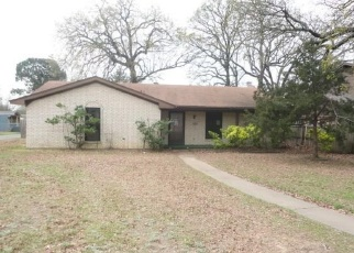 Foreclosed Home in Denison 75020 W DAY ST - Property ID: 4397592379