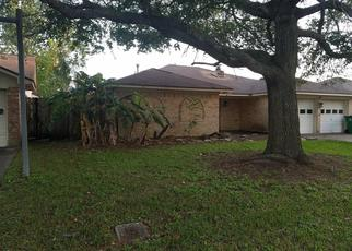 Foreclosed Home in Angleton 77515 S REMINGTON DR - Property ID: 4397596322