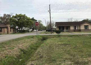 Foreclosed Home in Beaumont 77701 CARTWRIGHT ST - Property ID: 4397608585