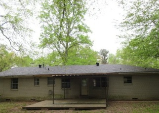 Foreclosed Home in Longview 75604 SHAMROCK DR - Property ID: 4397616470