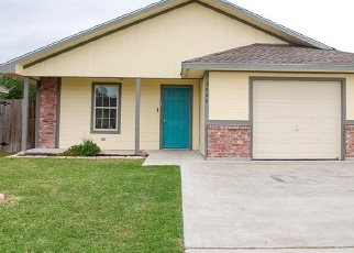 Foreclosed Home in Victoria 77901 SWAN DR - Property ID: 4397631810