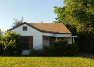 Foreclosed Home in Fort Worth 76104 E ROBERT ST - Property ID: 4397635303